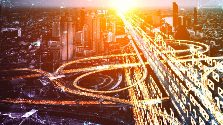 Futuristische Straßenansicht mit grafischen Elementen verdeutlicht den digitalen Datentransfer für die Zusammenarbeit von Kanzlei und Mandant.